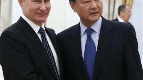 Los presidentes Vladimir Putin y Rodrigo Duterte, de Filipinas.