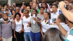Jóvenes que ocuparon las instalaciones de la Procuraduría.