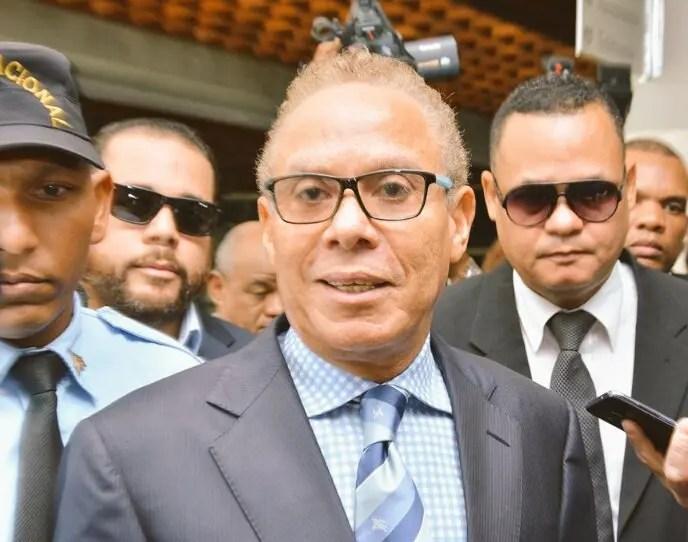 Ángel Rondón pide que sean llamados como testigos diputados, senadores, y funcionarios de distintos gobiernos que intervinieron en la aprobación de 16 contratos otorgados a  Odebrecht.