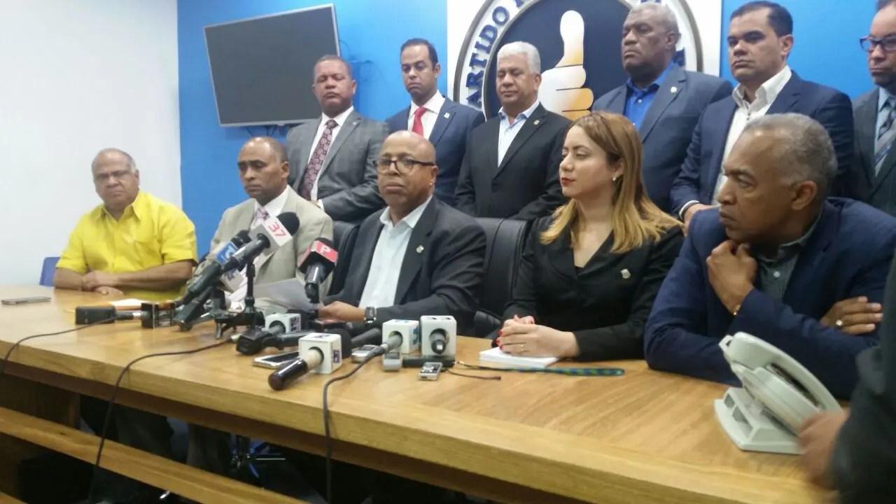 Ministro arrestado por caso Odebrecht pide su suspensión de ente oficialista