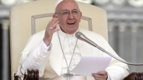 El papa Francisco acogió una solicitud que  le hiciera un consejo de expresidentes de la región.
