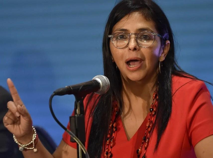 Delcy Rodríguez planteó que Estados Unidos tiene planes de  intervenir en su país por el petróleo.