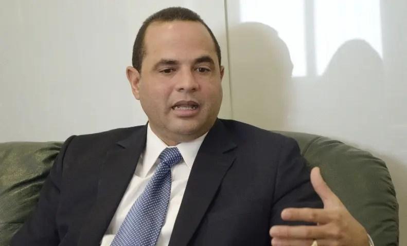 Manuel Crespo denuncia reformarían Constitución para habilitar a Medina