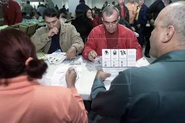 Resultado de imagen para Puertorriqueños votan este domingo a favor anexion a estados unidos