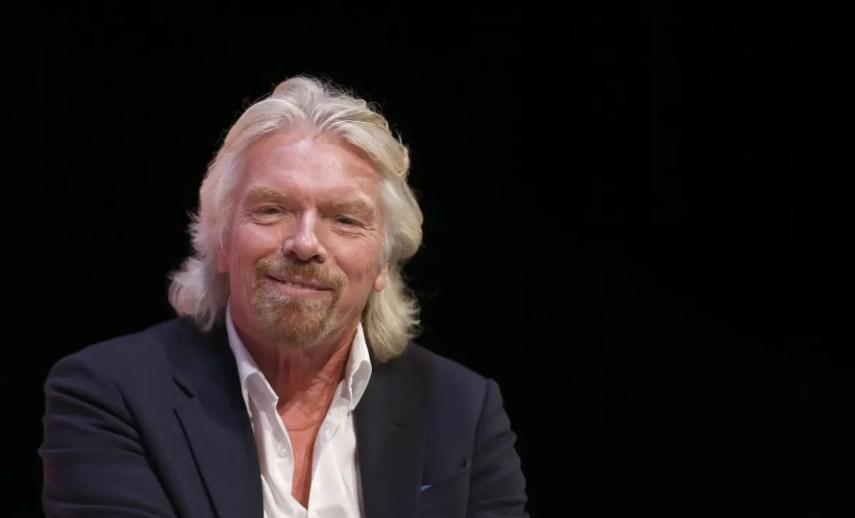 Branson vino al país para respaldar la resolución del  Ministerio de Medio Ambiente y Recursos Naturales que dispuso la veda en la captura y comercialización de de tiburones y otras especies.