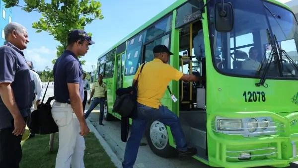 OMSA ofrecerá servicio de transporte a estudiantes de la UASD hasta las 10 de la noche