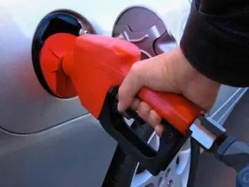 Los nuevos precios de los combustibles entrarán en vigencia a partir de la medianoche de este viernes.