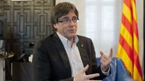 Carles Puigdemont tiene mayoría, pero no puede asumir cargo.