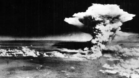 El lanzamiento de las bombas atómicas sobre Japón continúa siendo un tema muy polémico.