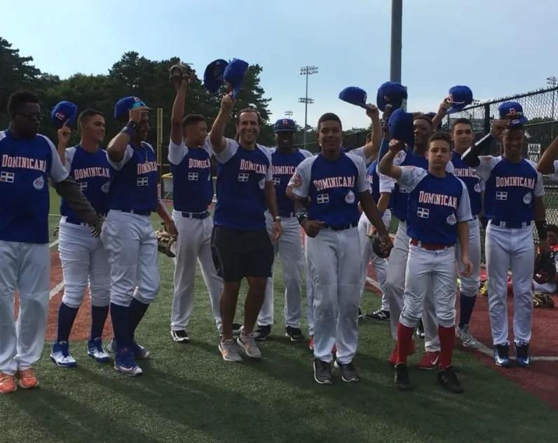 Integrantes del equipo dominicano ganador del bronce.
