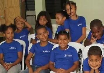 Parte de los niños que disfrutaron la actividad.