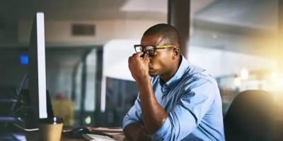 Está comprobado científicamente que trabajar horas extra reduce nuestra productividad y nos hace sentir y estar menos saludables.