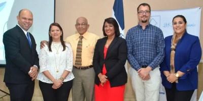 Carlos Tamárez Mañaná, Lourdes Gómez, Julio Ernesto Pérez, Indiana Tamárez Mañaná, Andrés Rodríguez y  Sahadia Cruz.