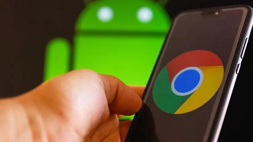El logo de Google Chrome en un teléfono móvil.