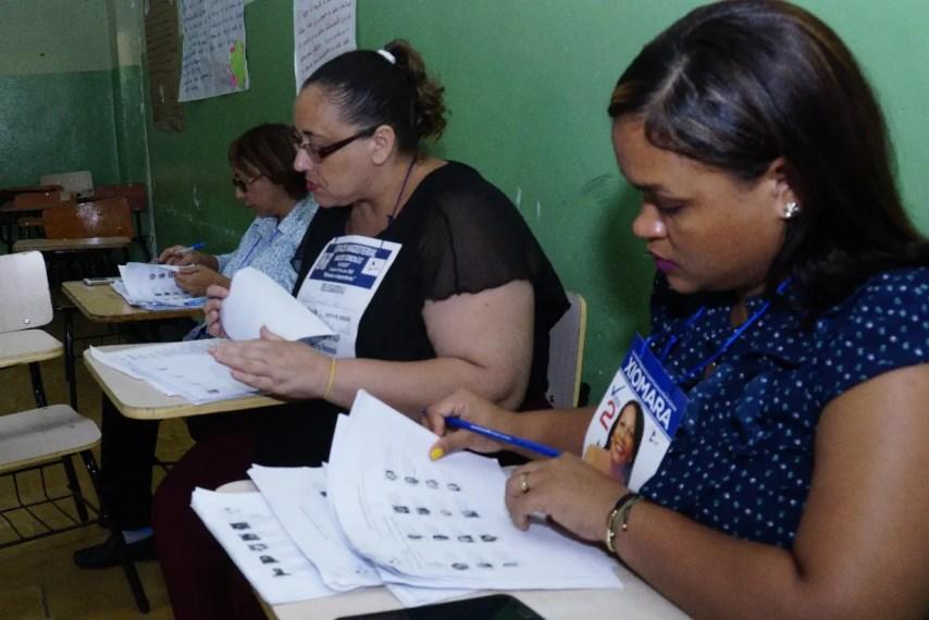 El proceso de votación  se desarrolló en completa normalidad y orden.  Elieser tapia