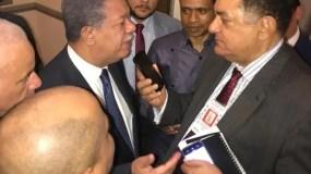 El expresidente Leonel Fernández es entrevistado por el periodista Ramón Mercedes en Nueva York.