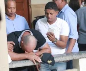 Genaro Peguero llora tras escuchar decisión.
