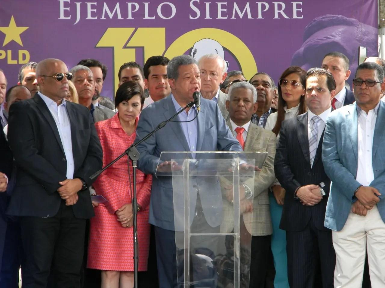"""Leonel: """"En favor de la Constitución todo, en contra de la Constitución nada"""""""