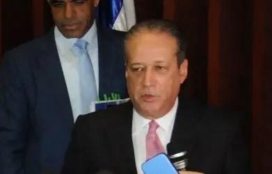 Reinaldo afirma protesta de Leonel ante el Congreso deja mucho que desear