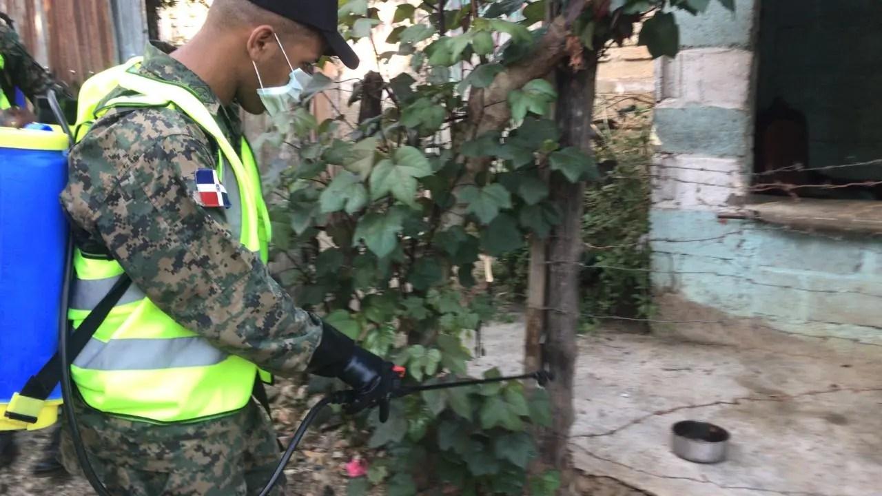 Realizan campaña de eliminación de criaderos de mosquitos en Dajabón