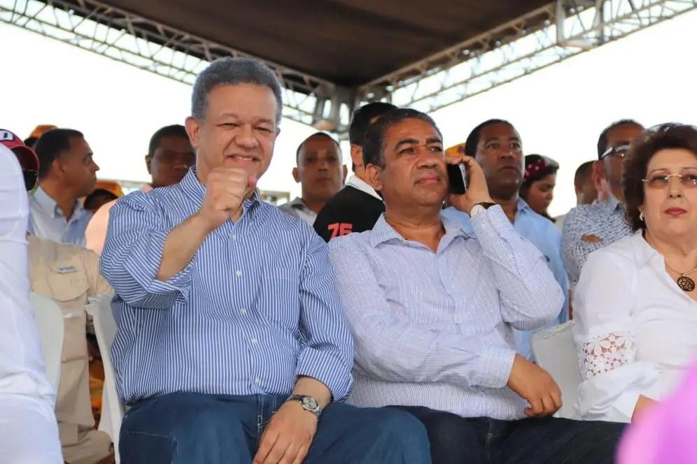 Leonel Fernández pide unificar al PLD alrededor de su candidatura