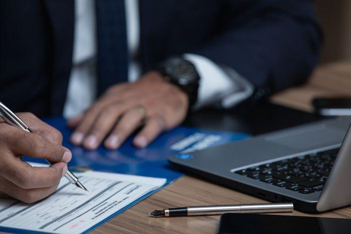 9 tips para contratar un buen abogado de inmigración.