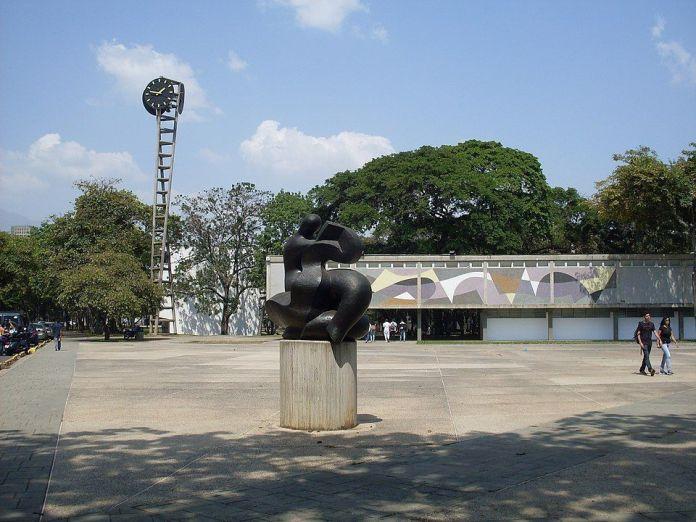 La Cultura, escultura de Francisco Narváez
