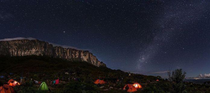 Noche estrellada en el Roraima