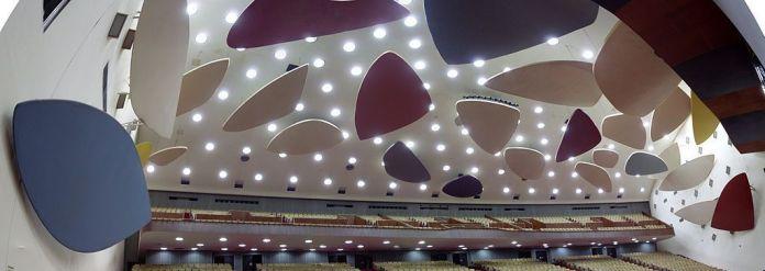 Aula Magna y Nubes Acústicas de Calder en la Ciudad Universitaria de Caracas