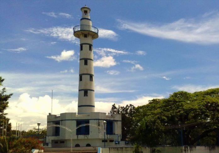 Faro de la Marina