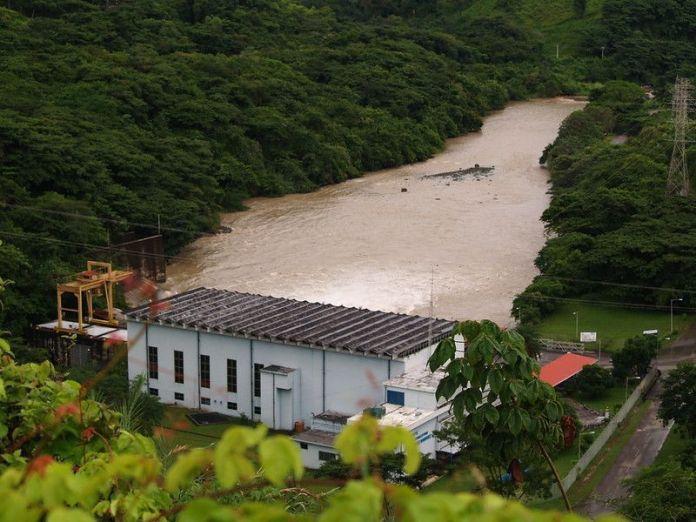 Aliviadero de embalse La Coromoto, en el Estado Portuguesa