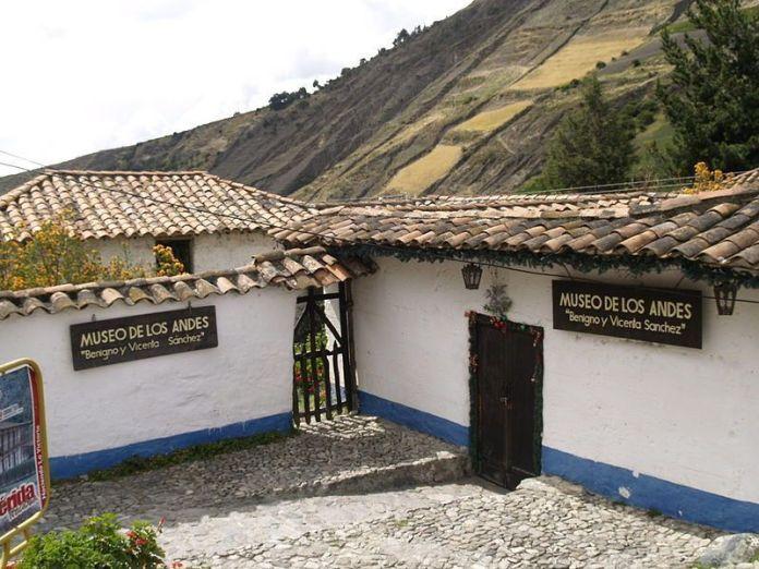 Entrada a la casa natal de Juan Félix Sánchez