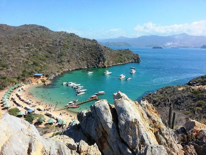 Playa El Faro, Mochima