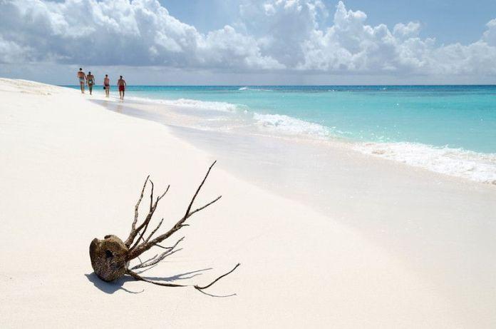 La arena de Cayo de Agua es muy blanca y fina