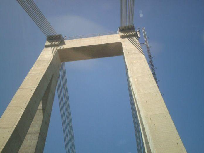 La estructura del puente es impresionante