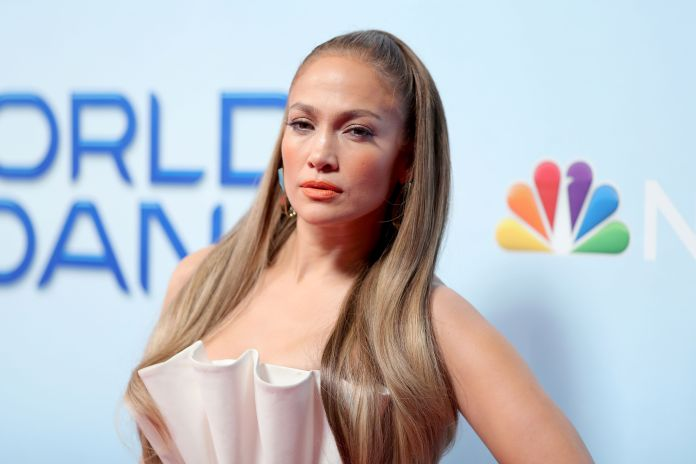 """Jennifer Lopez raised his voice after a day of protests: """"don't let that earn the hate.. we need a change!"""""""