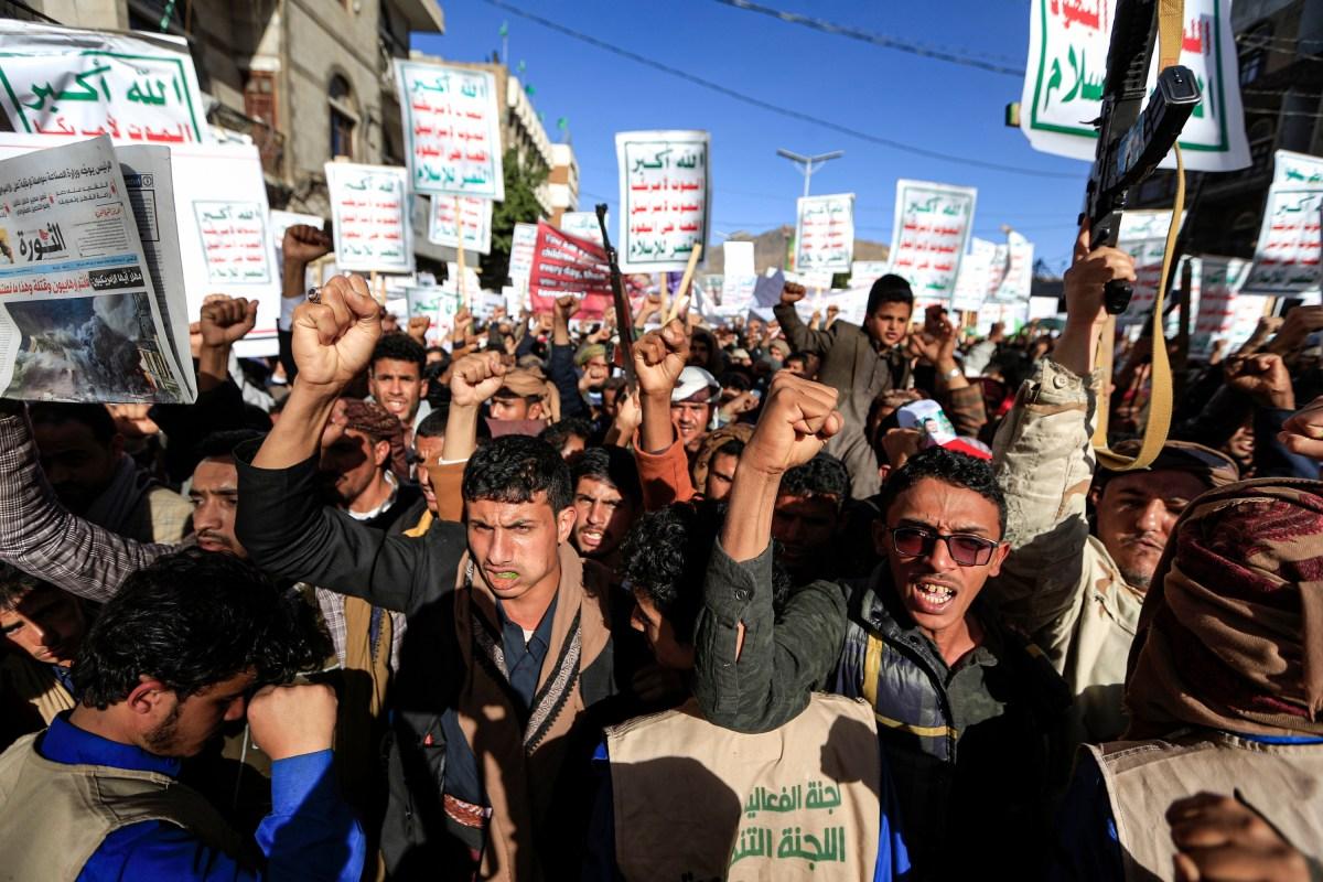 Biden retirará a los rebeldes hutíes de Yemen de su lista de grupos terroristas
