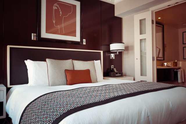 lit hotel confortable sexe