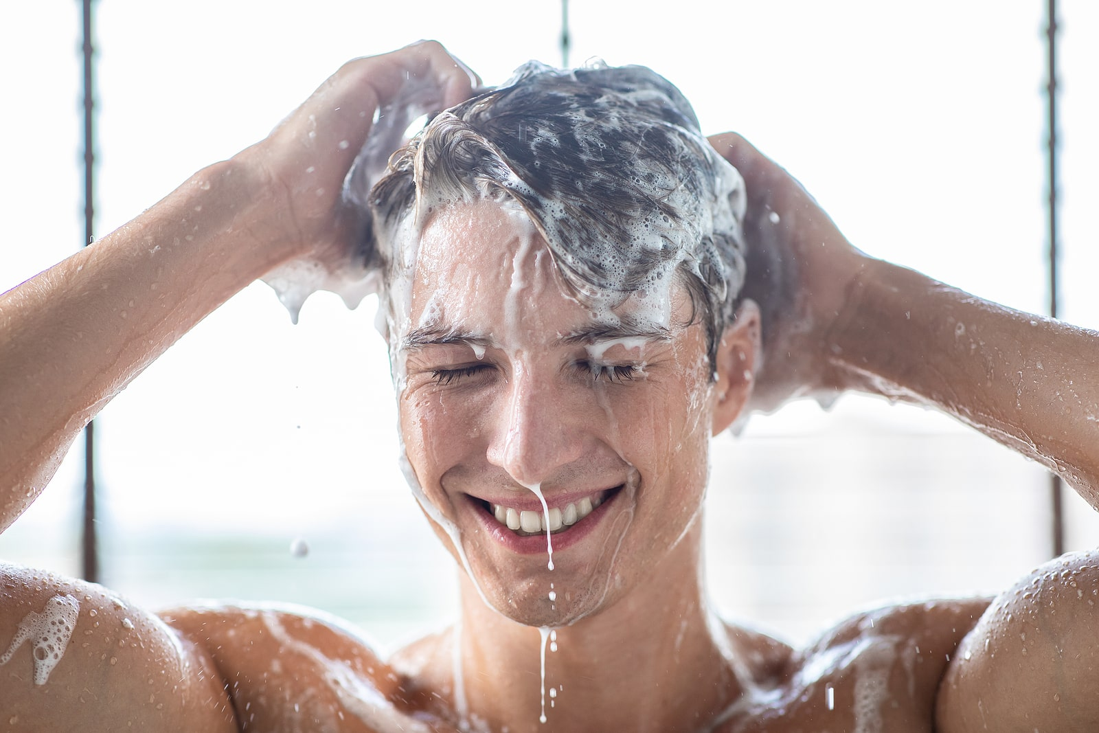 You are currently viewing A Guide to Healthy Hair Washing