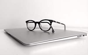 macbook-1526449_640