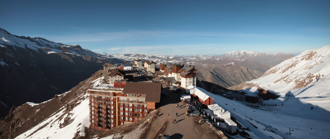 valle-nevado-resort-1636928-1597x673