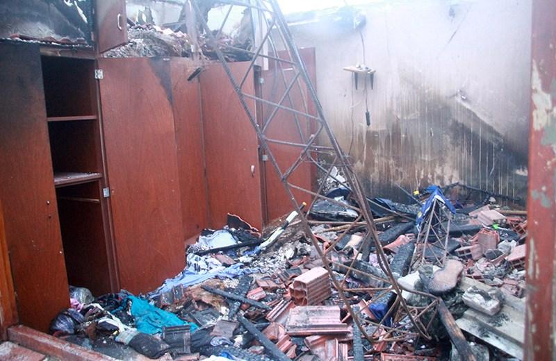 El fuego destruyó una vivienda