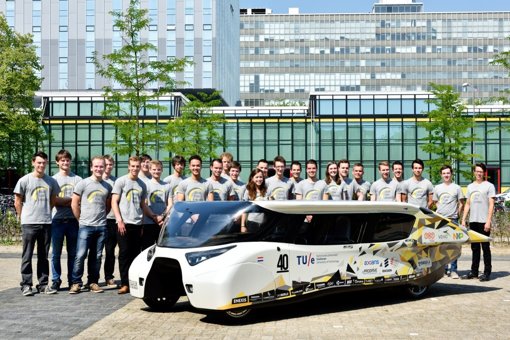 Nederland, Eindhoven, 2 juli 2015. Stella Lux, de 2e familie zonnewagen van Solar Team Eindhoven, het studententeam van de Technische Universiteit Eindhoven. // Stella Lux, the 2nd solar family car by Solar Team Eindhoven, the studentteam of Eindhoven University of Technology. photo: TU Eindhoven / Bart van Overbeeke