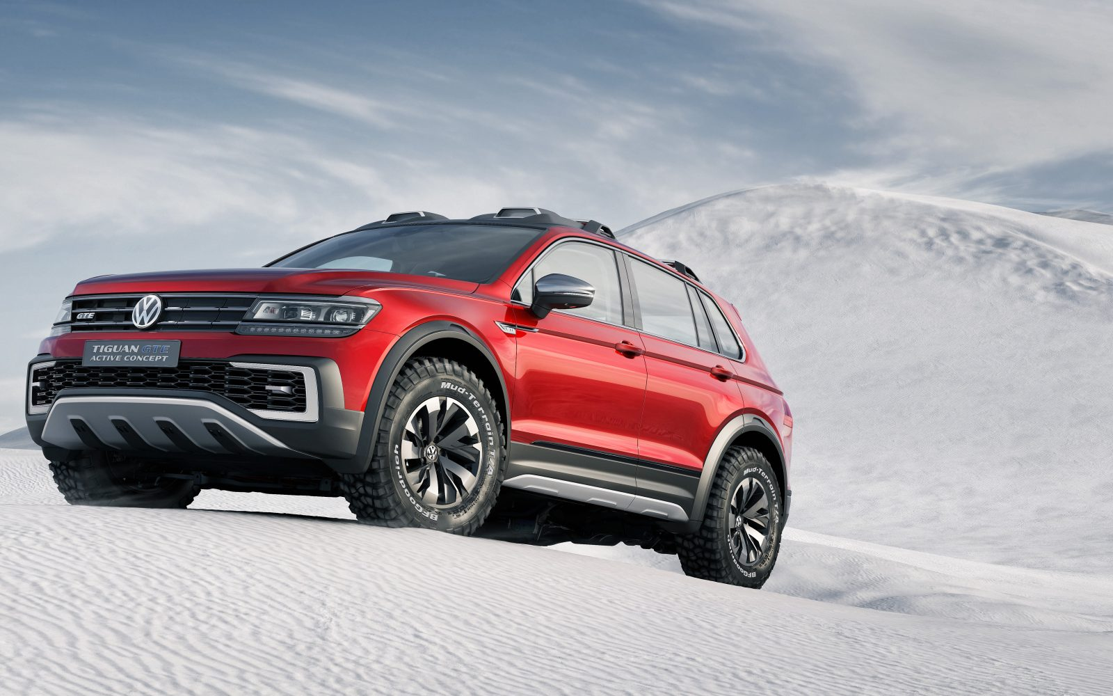 vw 39 s 39 extreme off road 39 plug in hybrid concept tiguan gte. Black Bedroom Furniture Sets. Home Design Ideas
