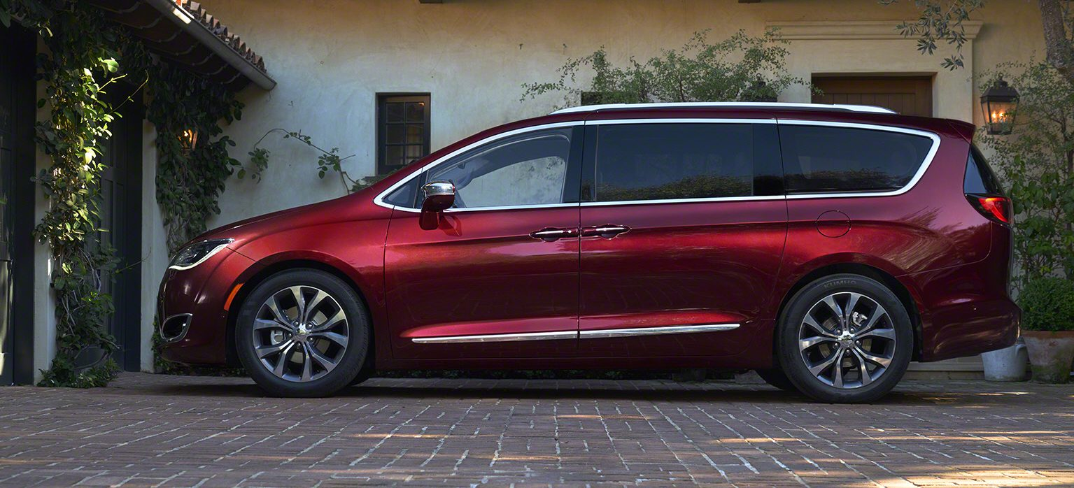 Chrysler Doesnt Want To Call Its Pacifica Hybrid A Plug In Electric Van