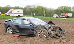 model s crash germany 2