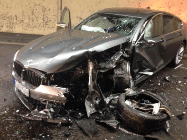 Model S BMW crash switzerland 3