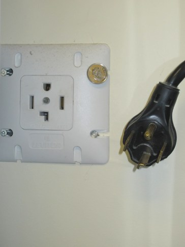 NEMA_14-30_Dryer_Receptacle