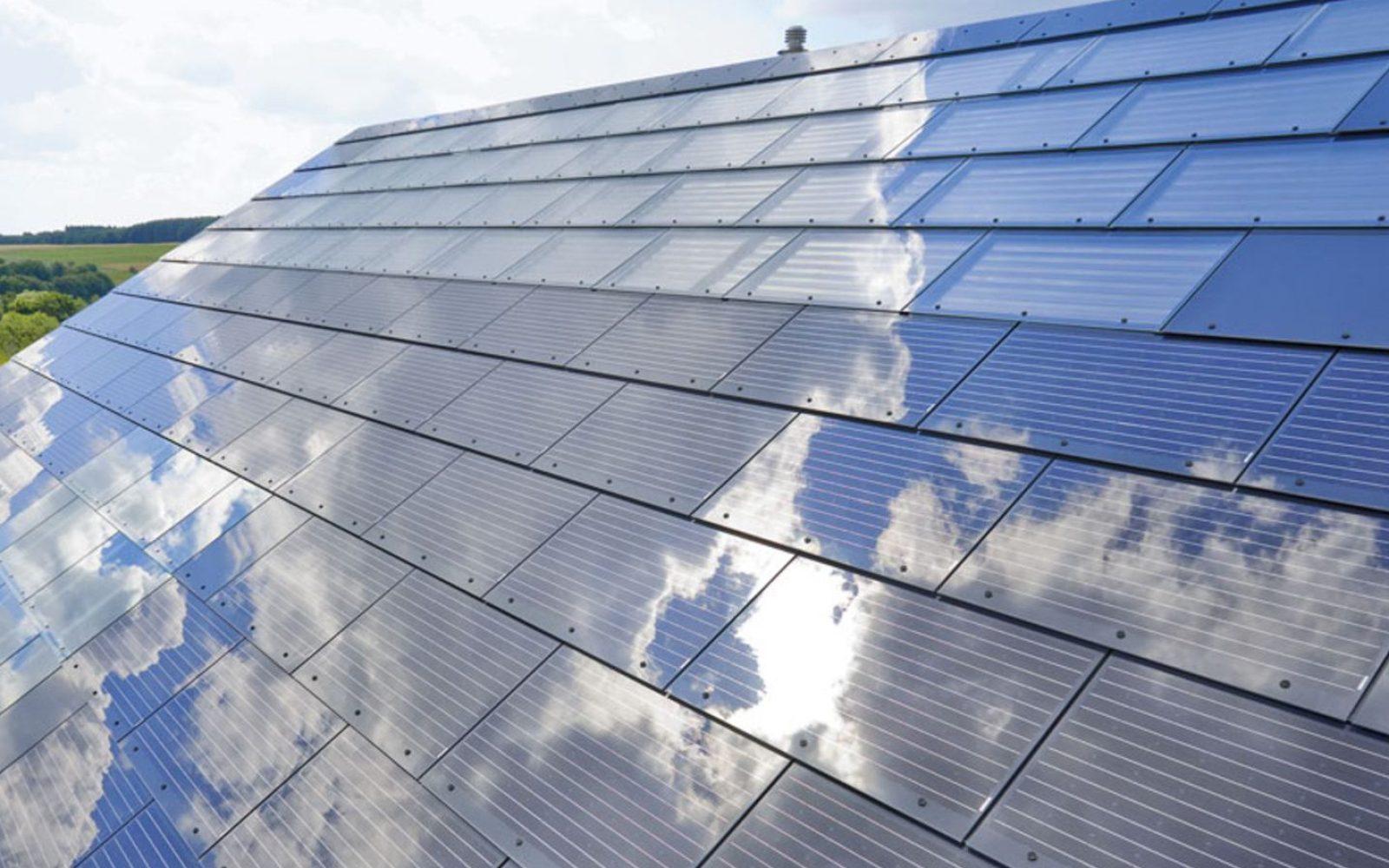 Elon Musk Solar Shingles >> Elon Musk Announces Solar Roof Product Tesla Solarcity Will Go
