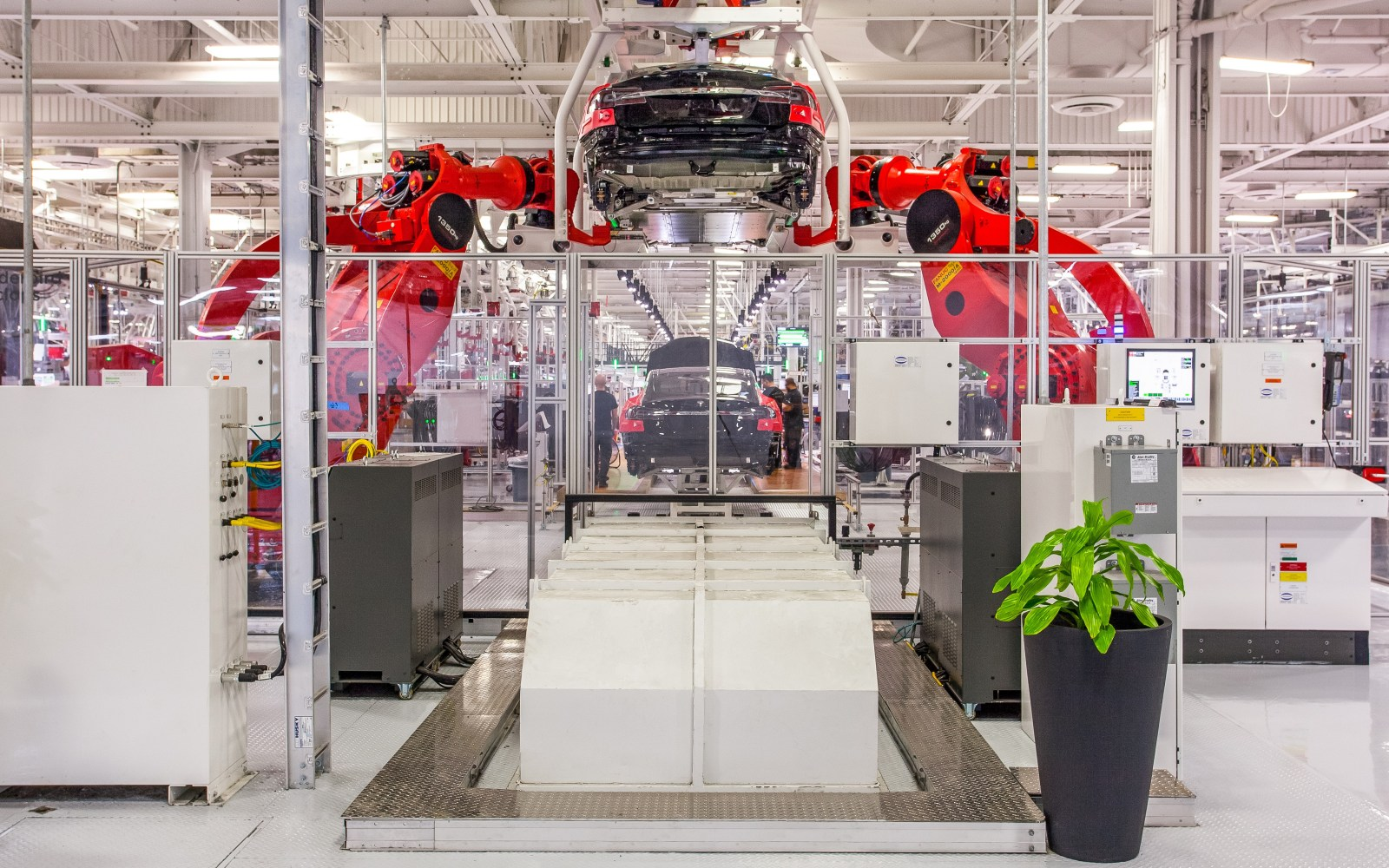 Tesla Model 3: Tesla's robot supplier vows to do everything it can to bring up production line on time